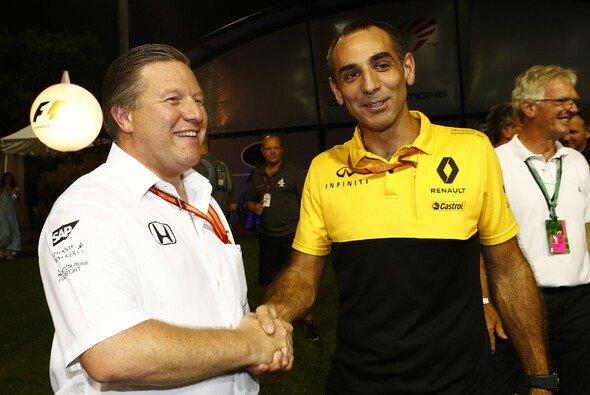 McLaren wechselt 2018 zu Renault-Motoren - Foto: LAT Images