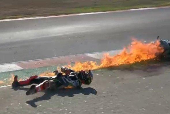 Tom Sykes kam beim Unfall einigermaßen glimpflich davon - Foto: Screenshot/WorldSBK.com