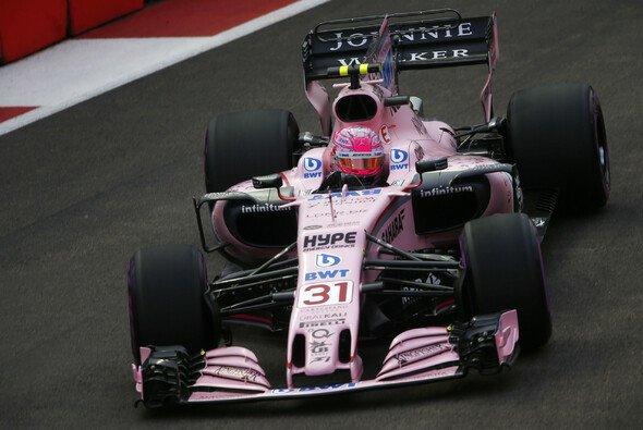Esteban Ocon bleibt bei Force India - Foto: LAT Images