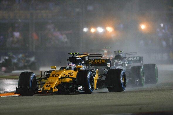 Jolyon Palmer fährt auch in Malaysia für Renault in der Formel 1 - Foto: LAT Images