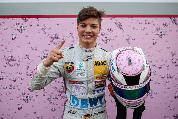 Sieg Nummer drei für Lirim Zendeli in Hockenheim - Foto: ADAC Formel 4