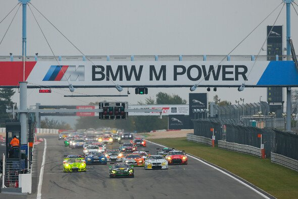 Das achte Rennen der VLN-Saison steht an - Foto: Jan Brucke/VLN