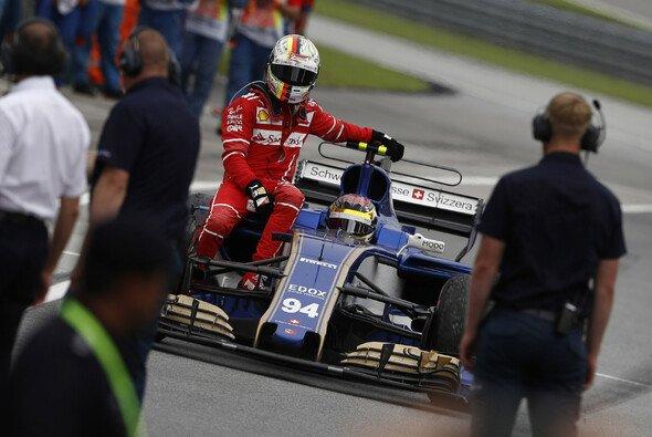 Vettel-Chaffeur war er schon: Füllt Kumpel Wehrlein bei Ferrari 2019 die Vakanz im Simulator? - Foto: LAT Images