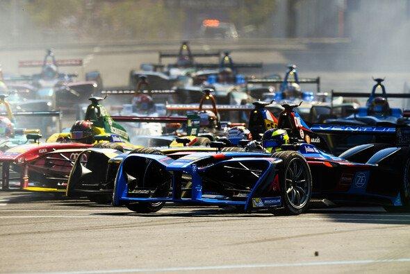 Die Formel E startet mit den Valencia-Tests offiziell in die vierte Saison - Foto: LAT Images