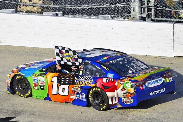 Vierter Saisonsieg für Kyle Busch in den letzten neun Rennen - Foto: LAT Images