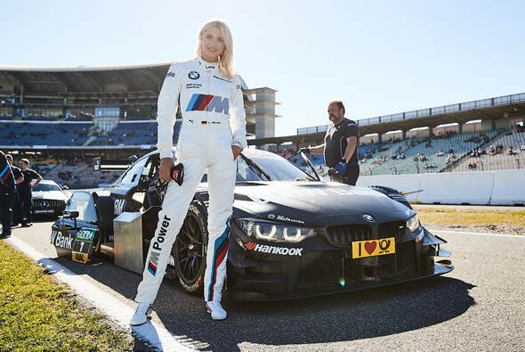 Top-Model Lena Gercke beim DTM-Finale in Hockenheim - Foto: BMW Motorsport