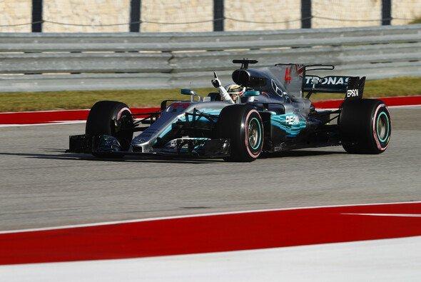 Lewis Hamilton startet den USA GP in Austin von Pole - Foto: LAT Images