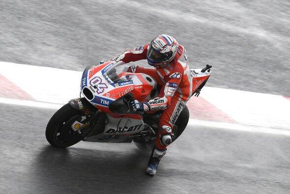 Andrea Dovizioso zeigte im Regen von Sepang eine echte Glanzleistung - Foto: Ducati