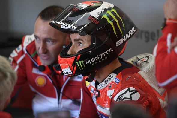 Jorge Lorenzo musste in Valencia viel Kritik einstecken - Foto: Ducati