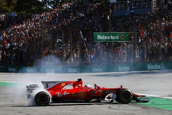 Sebastian Vettel gewann das Rennen - Foto: LAT Images
