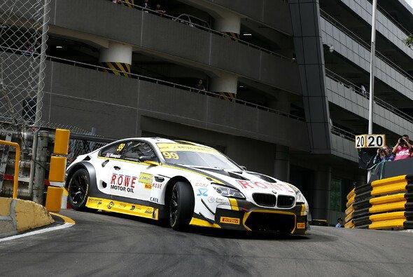 ROWE RACING musste das Hauptrennen in Macau nach dem Samstags-Crash auslassen - Foto: Alexander Trienitz