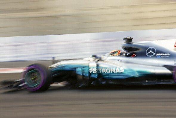Bestzeit für Lewis Hamilton im 3. Training in Abu Dhabi - Foto: LAT Images