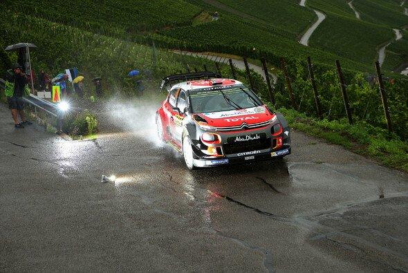 Die ADAC Rallye Deutschland bietet ständige Abwechslung, hochklassige Action und große Fan-Nähe - Foto: ADAC Rallye Deutschland