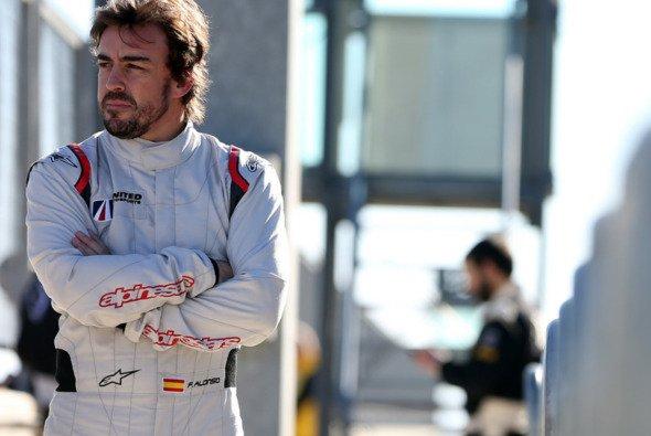 Die WEC-Terminänderungen für Fernando Alonso kommen bei dessen Fahrer-Kollegen schlecht an - Foto: United Autosports