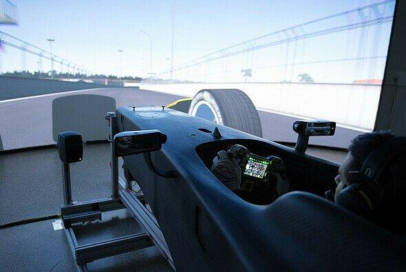 Daniel Abt bereitet sich im Simulator für jeden ePrix der Formel E vor - Foto: Audi