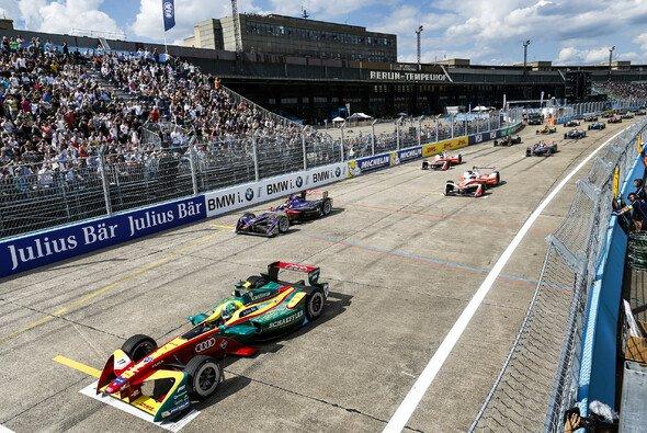 Die Formel E gastiert am 19. Mai 2018 zum vierten Mal in Berlin - Foto: LAT Images