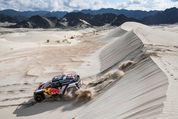 Carlos Sainz hat die Dakar gewonnen - Foto: Dakar