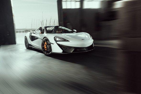 Der Novitec McLaren 570S Spider präsentiert sich mit viel Carbon - Foto: Novitec