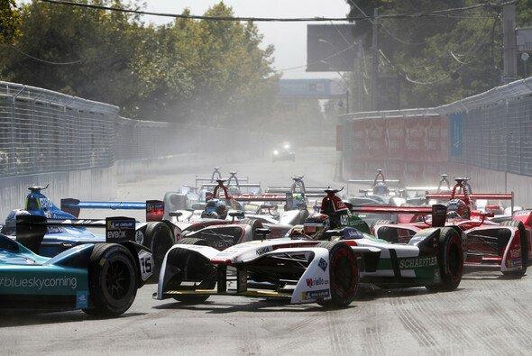 Audi erlebt einen desaströsen Auftakt in die Formel-E-Saison 2017/18 - Foto: LAT Images