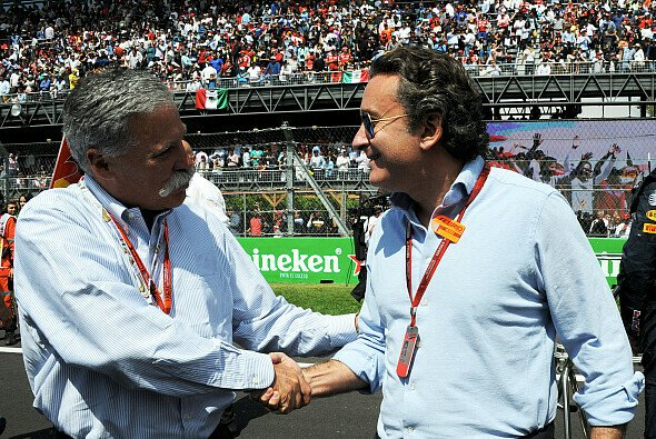 Formel-1-Boss trifft Formel-E-Boss: Chase Carey und Alejandro Agag - Foto: LAT Images
