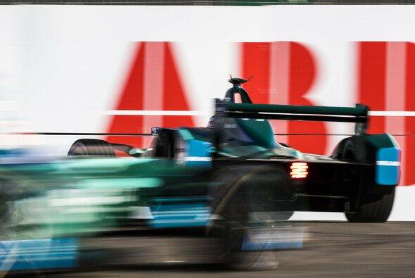 Tom Blomqvist verunfallt im 2. Training zum Punta del Este ePrix in Uruguay - Foto: LAT Images