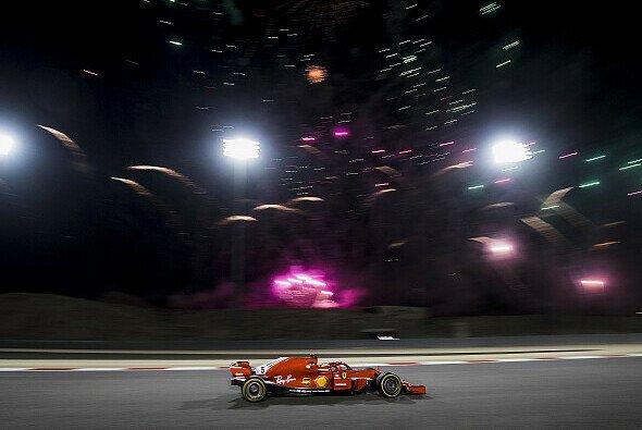Nachtrennen in Bahrain, das bedeutet für Formel-1-Fans Abend-Zeitplan - Foto: LAT Images