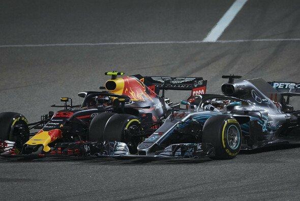 Max Verstappen nimmt Lewis Hamiltons seine Dummkopf-Ansage von Bahrain nicht krumm - Foto: LAT Images