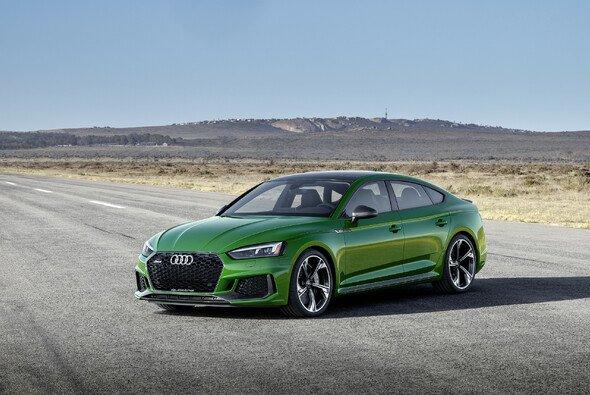 Die sonoma-grüne Lackierung gibt es exklusiv beim Audi RS 5 Sportback - Foto: Audi