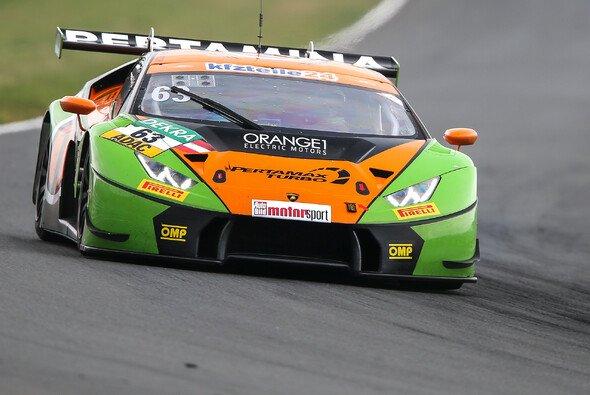 Schnellster: Mirko Bortolotti fuhr Bestzeit im 1. Freien Training - Foto: ADAC GT Masters