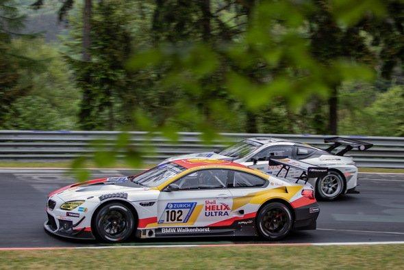 BMW hat nach sechs Stunden kein Auto mehr in den Top-10 - Foto: M. Rosenkranz