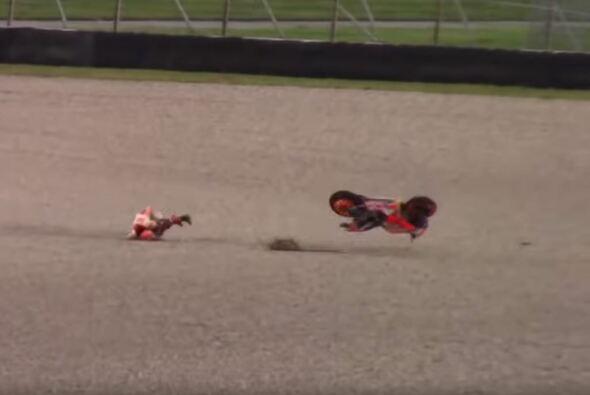 Marc Marquez sorgte für einen spektakulären Sturz - Foto: Youtube/Screenshot