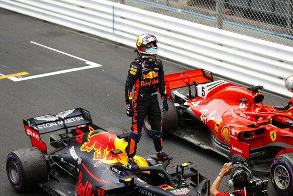 Daniel Ricciardo rettet den Sieg in Monaco ins Ziel - Foto: LAT Images