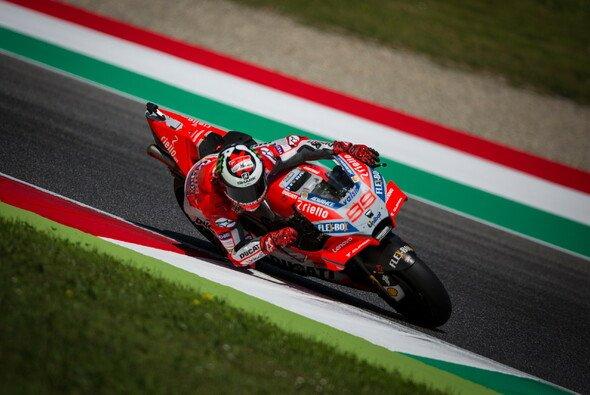 Jorge Lorenzo gewinnt sein erstes Rennen auf Ducati - Foto: Tobias Linke