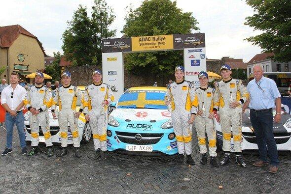 Die Besten in Stemwede: Bollette, Delhez, Arhusiander, Lundberg, Louka, Munster (v.l.n.r.) - Foto: ADAC Opel Rallye Cup