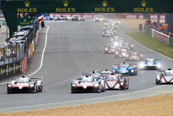Toyota und Fernando Alonso siegen bei den 24h Le Mans 2018 - Foto: LAT Images