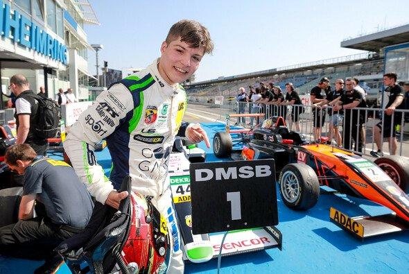 Lirim Zendeli führt nach 12 Rennen die Fahrerwertung an - Foto: ADAC Formel 4