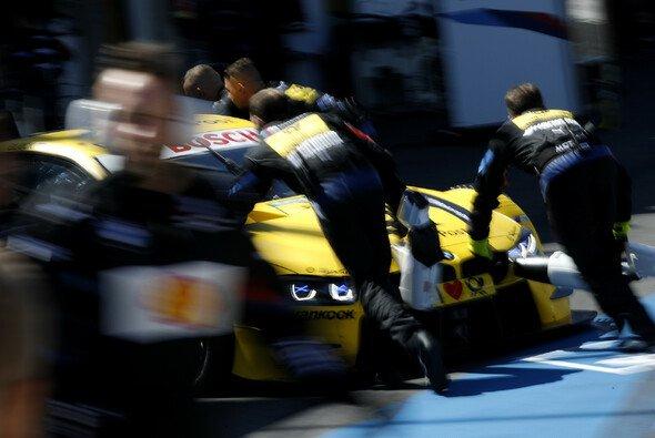 Timo Glock ärgert sich in Zandvoort über Mercedes - Foto: LAT Images