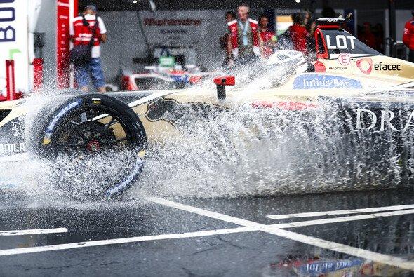 Regen und Sturm beim Saisonfinale der Formel E in New York - Foto: LAT Images