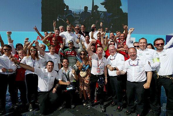 Audi feiert seine erste Team-Meisterschaft in der Formel E - Foto: Audi Communications Motorsport / Michael Kunkel