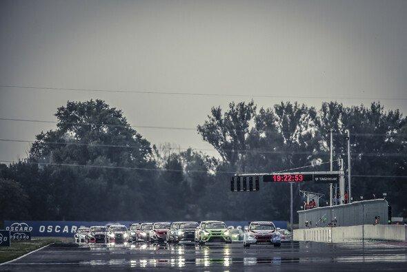 Die WTCR startet an diesem Wochenende auf dem Slovakiaring - Foto: WTCR