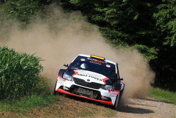 Christian Riedemann möchte weiter Druck auf Dominik Dinkel machen - Foto: ADAC Rallye Masters