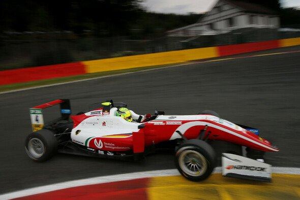 Pech für Mick Schumacher beim F3-Rennen in Spa - Foto: FIA F3 / Suer