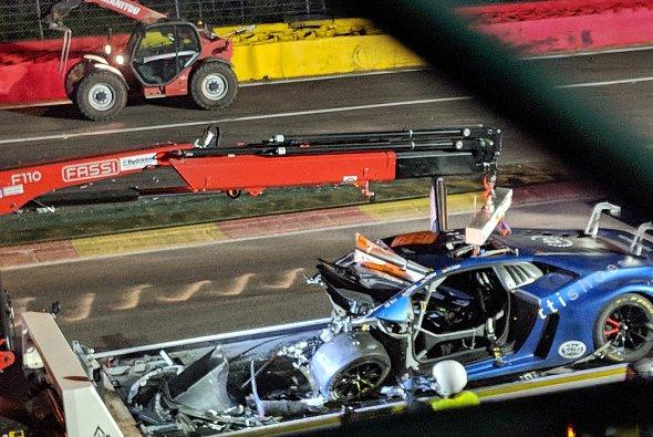Der zerstörte Lamborghini von Jürgen Krebs nach dem Unfall - Foto: Twitter/Fernando Rees