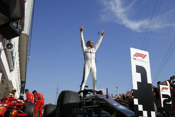 Kann sich Lewis Hamilton nach seinem Ungarn-Sieg den WM-Titel sichern? - Foto: Mercedes-Benz