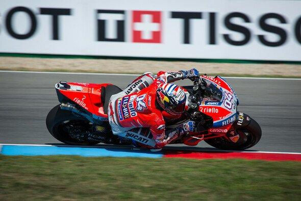 Andrea Dovizioso gewinnt das MotoGP-Rennen in Brünn - Foto: Tobias Linke