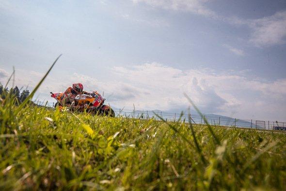 Marc Marquez startet von Pole Position in den Österreich-GP - Foto: Ronny Lekl/gp-photo.de