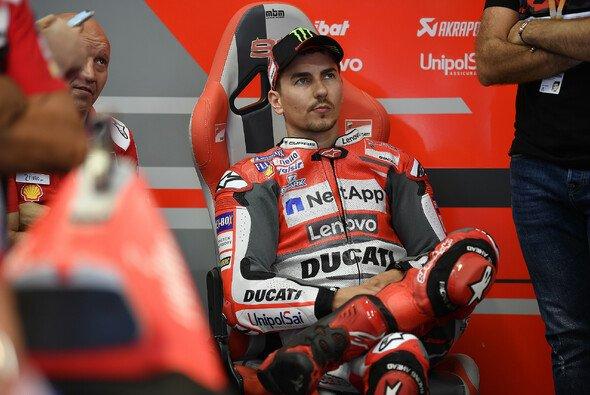 Jorge Lorenzo sah die Schuld für den Beinahe-Crash bei Danilo Petrucci - Foto: Ducati