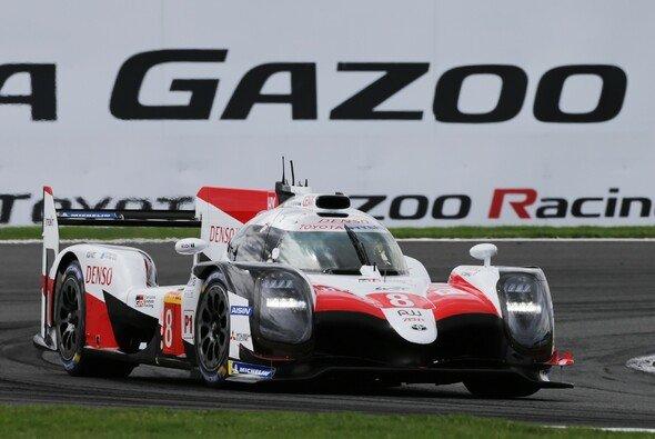 Fernando Alonso und seine Teamkollegen haben in Silverstone gewonnen - Foto: Toyota
