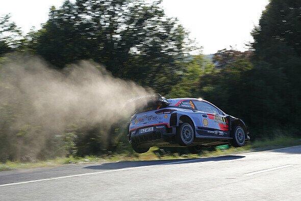 Auf den tückischen Prüfungen ist exzellente Fahrzeugbeherrschung gefragt - Foto: ADAC Rallye Deutschland