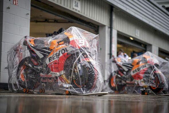 2018 blieben die MotoGP-Bikes in der Box - Foto: HRC